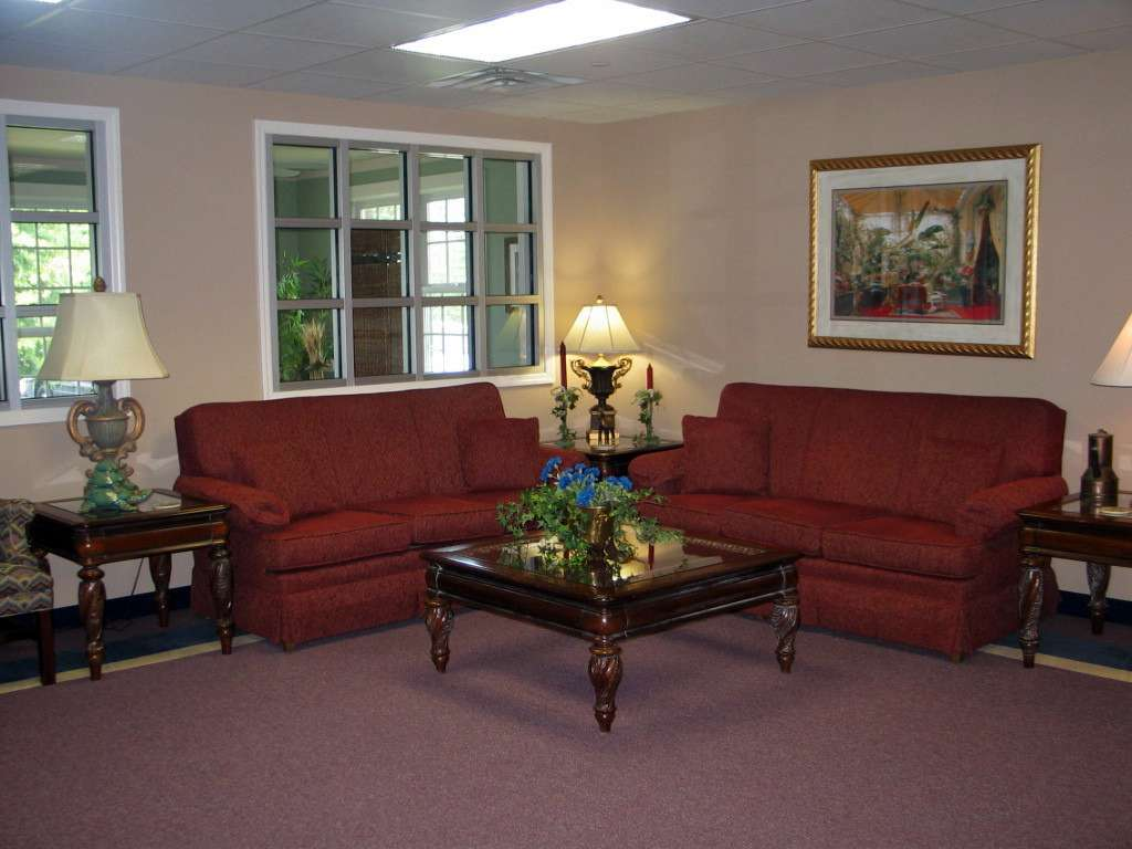 Tv Room Windsor Gardens Assisted Living